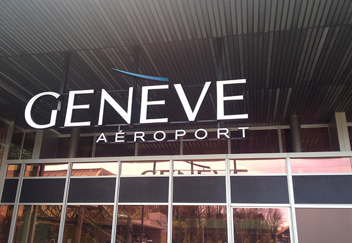 Airport and station of Geneva 15 minutes away