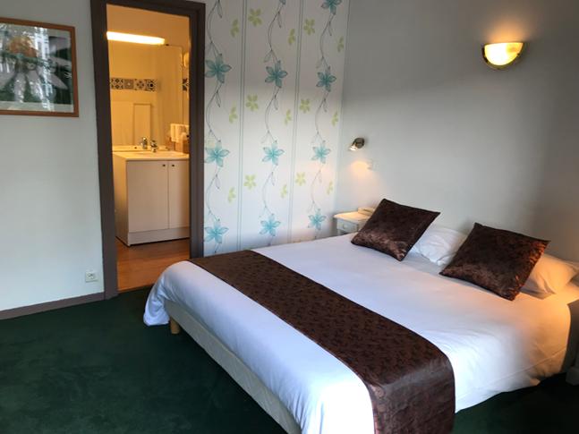 Premium-Zimmer (grosses Bett) 92 - 98 €