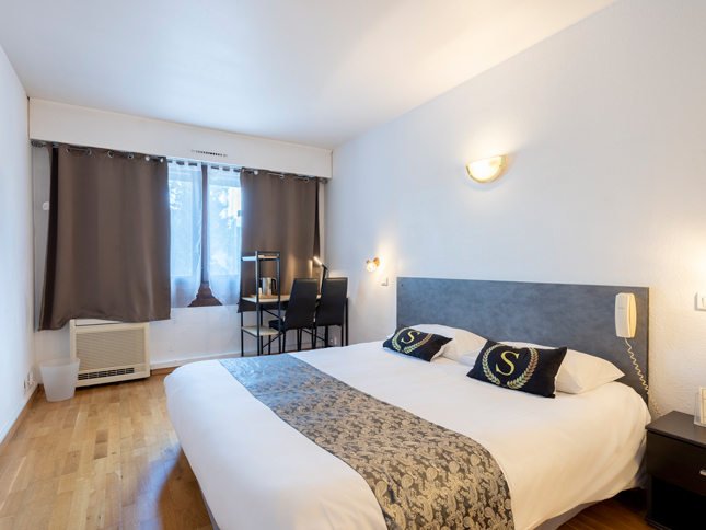 Executive rooms with large bed 75 à 84 €
